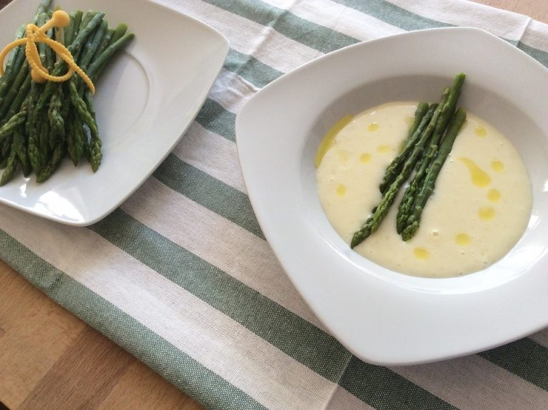 How to make asparagus cream soup