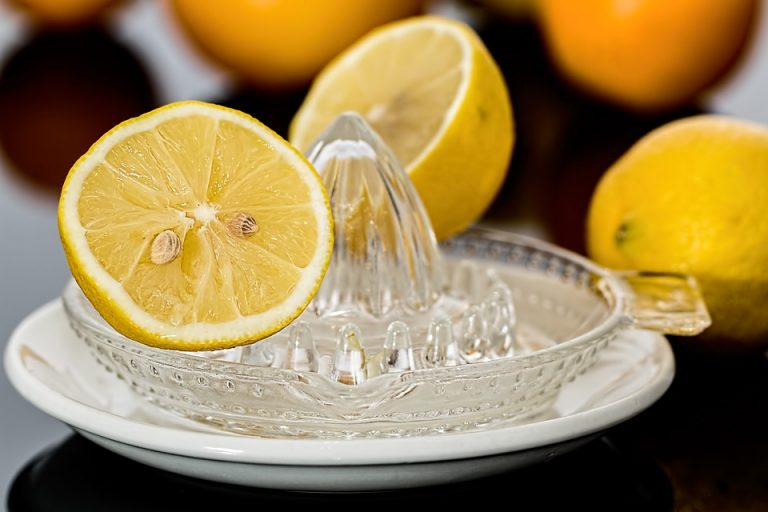 Does vitamin C cure cancer?
