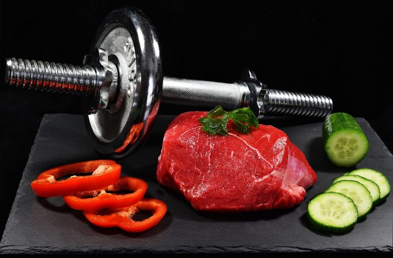 Can we gain muscles eating 3 meals a day?