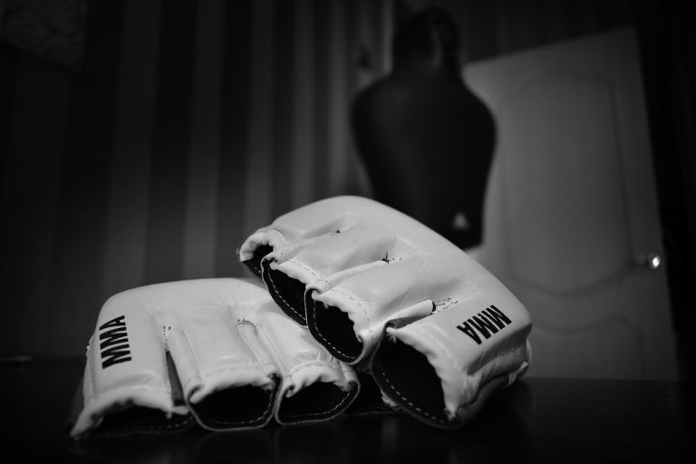 Types of gloves for strength workout