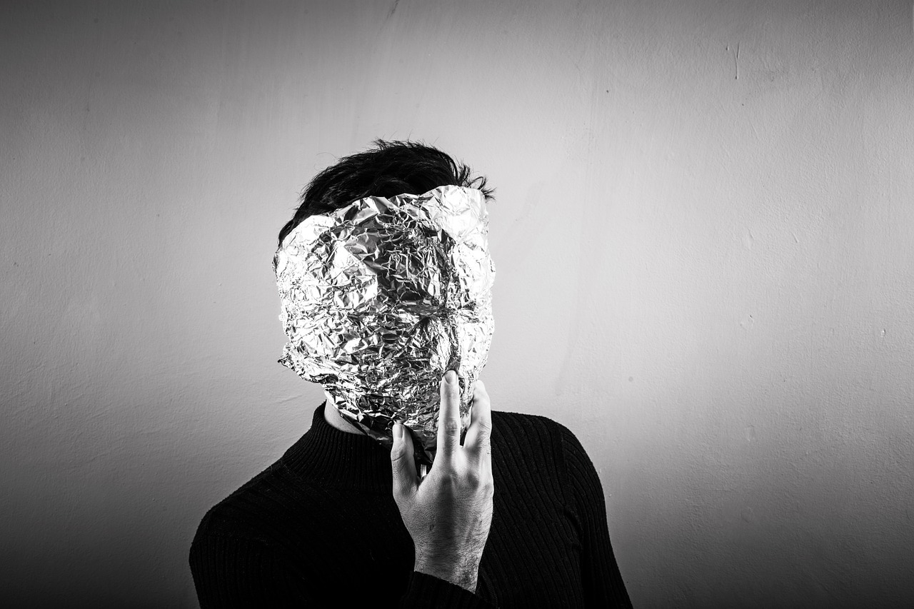 Is aluminium foil really that bad in kitchen?