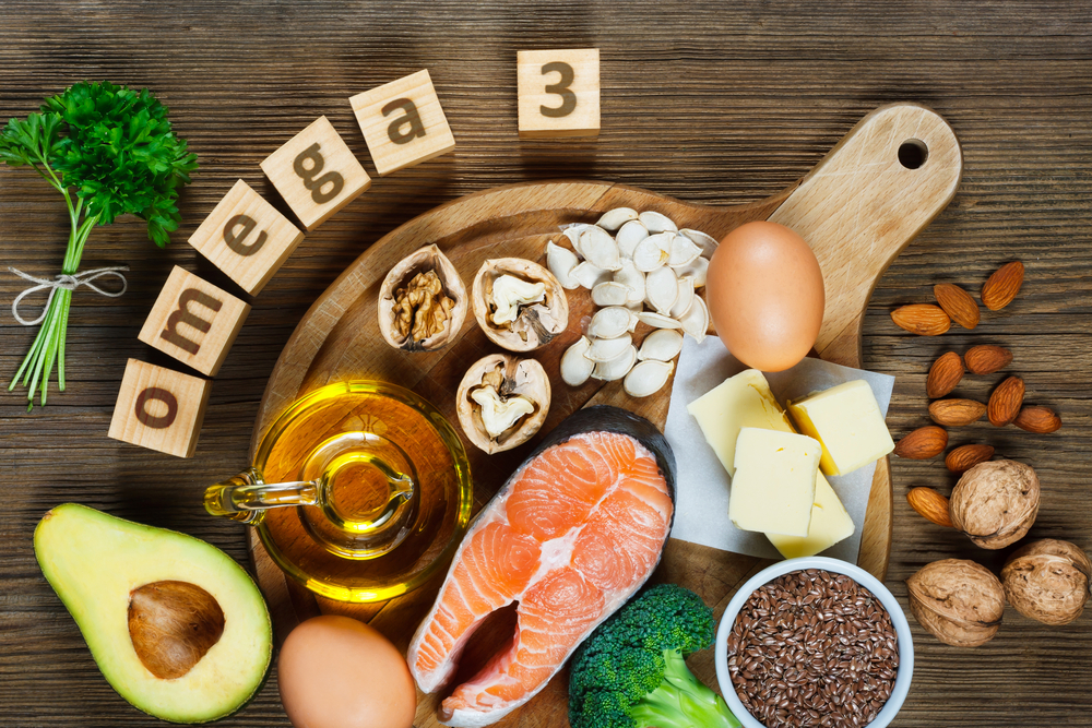 The best omega 3 fatty acids sources are fish, avocado and nuts.