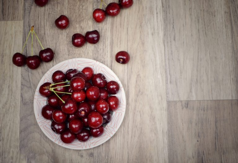 Cherries – health properties. What vitamins and minerals are cherries rich in?