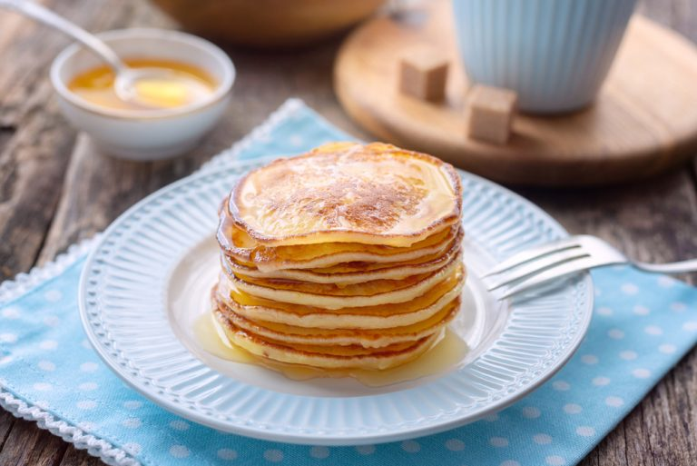 Pancakes – with apples and more. Calories, nutritional values